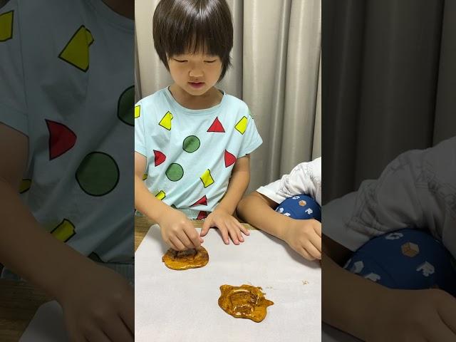 イカゲームのカルメ焼き作って型抜きしたら大変なことに… SQUID GAME honeycomb challenge #Shorts