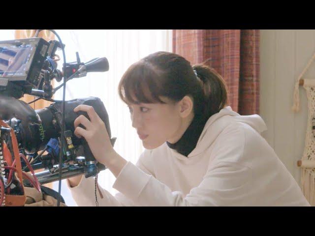 綾瀬はるか、カメラに急接近!鈴鹿央士とCM初共演 ユニクロ「ウルトラライトダウン」